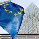 Trichet: occorre una strategia per uscire dalla crisi