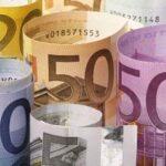 Italiani pagano 7800 euro annui in imposte, tasse e tributi