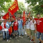 Pomigliano d'Arco: la Fiom protesta, Confindustria invita a riflettere