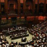 Confermati i tagli di 1000 euro agli stipendi parlamentari