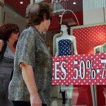 Istat: famiglie più povere e il risparmio crolla ancora
