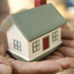 Acquisto casa, i giovani dipendono dai genitori