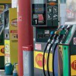 Benzina, primo calo da febbraio
